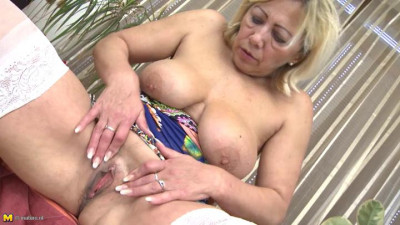 big tit mature granny blonde showing her pussy