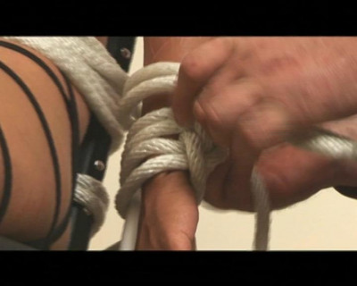 How To Perform Rope Bondage