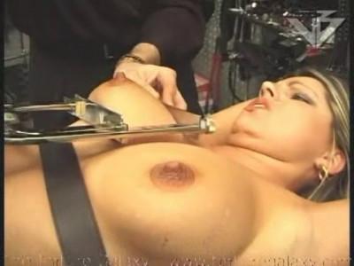 Hildas Pussy Torture