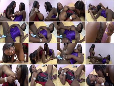 Slutty ebony lesbians enjoy their fun time together