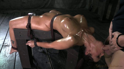 Syren De Mer On A Fucking Machine For The 1st Time While 2 Cocks Use Her Throat Hole