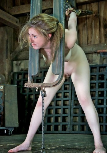 BDSM lessons for a young beauty