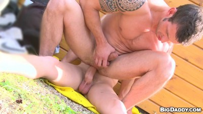 Hot studs fuck outdoors