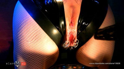 Tied Slave Mature And Exhaust