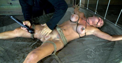 Golden BDSM Squirt