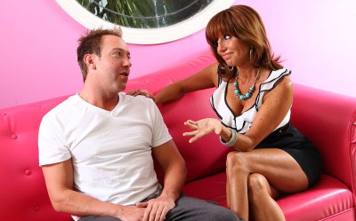Stacked MILF Tara Holiday Doesn't Mind Licking A Clean Anus