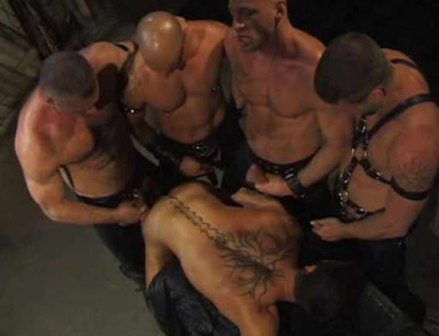 Muscle Studs In Brutal Orgy