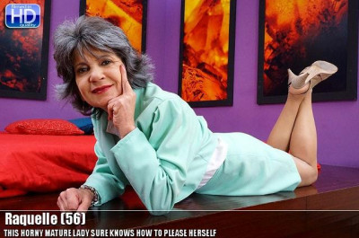 Raquelle -This Horny Mature Lady Sure Knows How To Please Herself