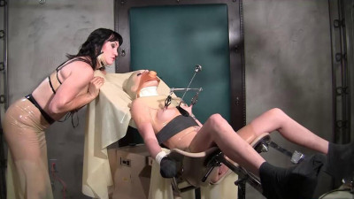 Mistress Miranda – Rubber Gyno Bondage Part 1