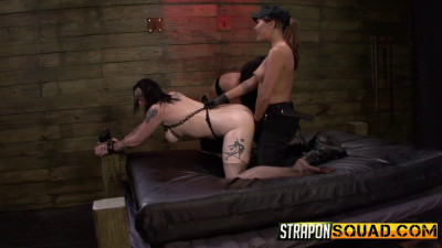Straponsquad – Jul 31, 2015 – Jynx Hollywood Begs For Double Penetration