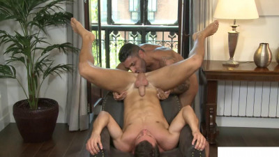 Smoke Me: James Castle, Raul Korso