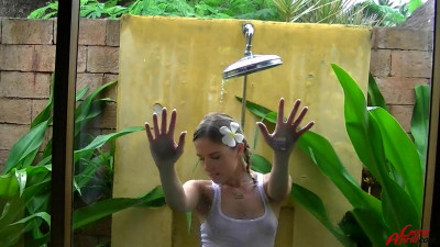 Exotic Piss Wet Shower