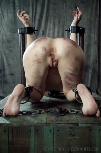Infernal Restraints - Queen of Pain 2 - Elise Graves - Mar 1, 2013