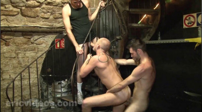 EV-Dylan Cox and Darko fuck the bartender