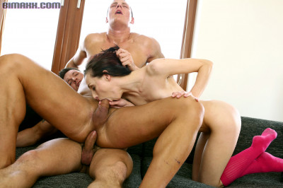 Bimaxx - Morning Roommate Romp