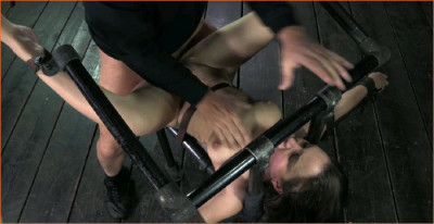 Gabriella Paltrova suffers extreme deepthroating