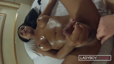 Oiled Up BJ & Mutual Cumshots