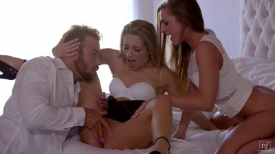 Sydney Cole, Kimmy Granger - Double Distraction (2016)
