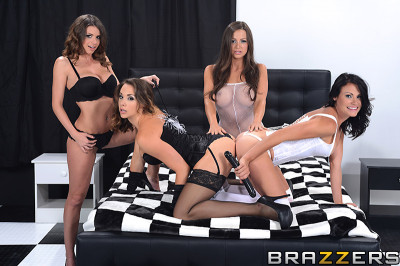 Sexy And Fashionable Ladies In Lesbian Hot Foursome