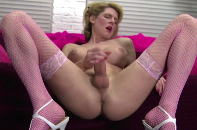 Ts Delia Delions - Leggy Blonde Tranny Cums On Her Tummy!