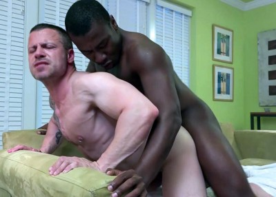 Damien Brooks fucks Russ Magnus' white ass (720p,1080p)