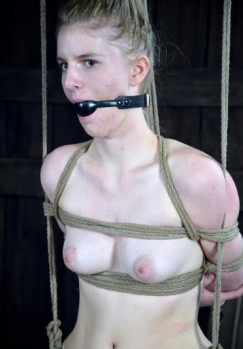 Master makes slave scream and cum and squirt
