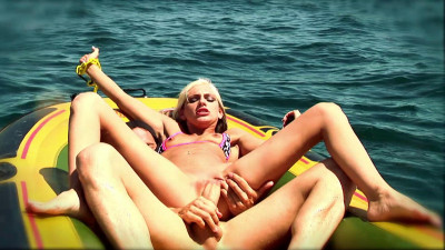 Blondie must fuck for her life