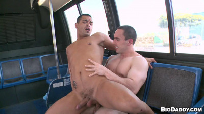 Muscle Man Gives A Pounding Ryan Evans Malek Steel (2012)