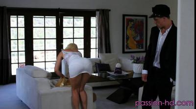 The driver fucks his sexy mistress