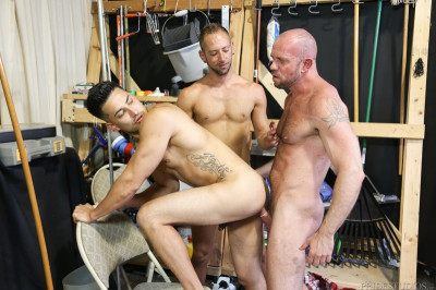 Men Over 30 - Relieving Work Place Tension Part 2 - Hunter Vance, Matt Stevens, Dek Reckless