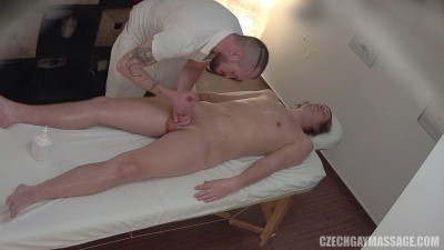 Czech gay massage part 1