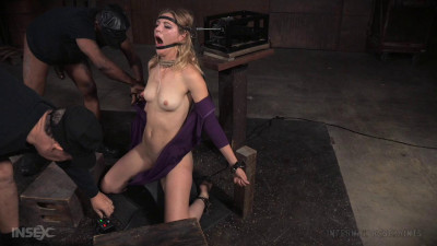 Experience On Blowjob Device In LiveShow # 1 (28 Dec 2015) Real Time Bondage