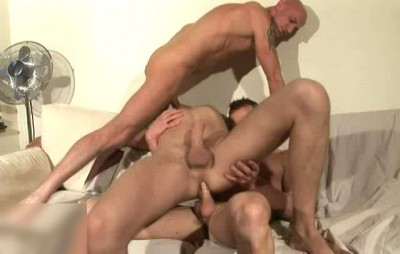 Hot Threesome Neil Stevens, Nico James & Leon Hunter (400p)