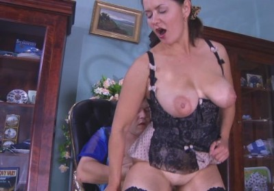 Aunt with big Tits fucked guy
