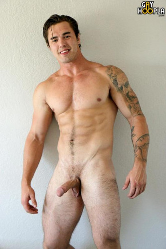 Richard Sutherland — Big Muscle Jock Jerks His Cock
