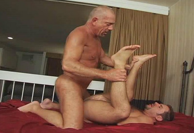 Mature Men In Amazing Bareback Scenes