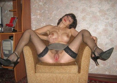 Beautiful wife and their holes (home photo)