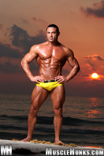 MuscleHunks – Rico Elbaz (2011)