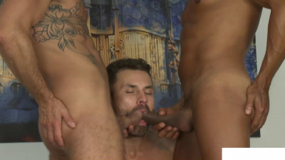 Muscle Daddy Bulrog Tops Devin Franco