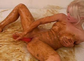 Blonde in a Brown Bath