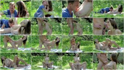 Lucie Wilde - Outdoor Sex