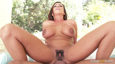 Sexy Milf Enjoys A Summer Heat With His Cock