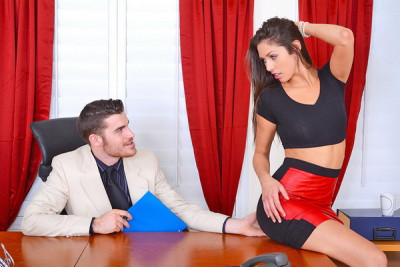 Anna Morna in Naughty Office