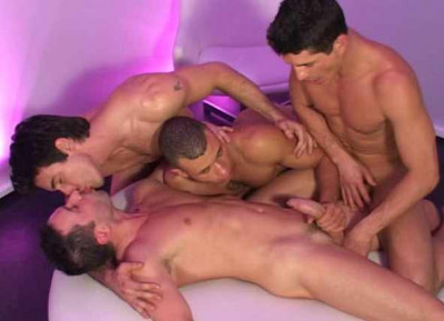 Hot Interacial Gangbang