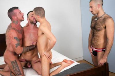 Bareback Cum Pigs - Tommy Deluca, Ray Dalton, Alex Mason & Wolvypup