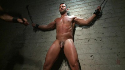 Latin hunk Diego Vena brand new to BDSM