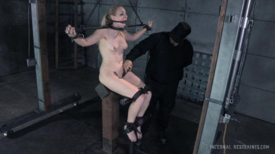 Delirious Hunter hard BDSM