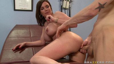 She Is Ready To Sexual Treatment Of A Doctor