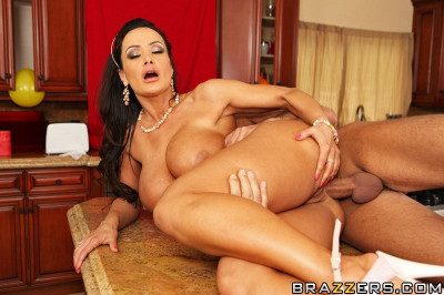 Pretty Milf Knows Well How To Arrange The Excellent Party