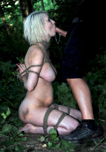 A Walk In The Park – Sexy Slave Cherry